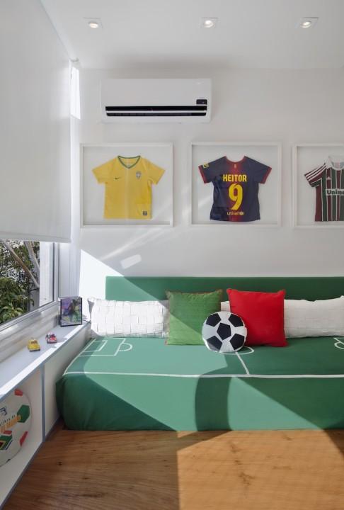 Quarto de menino com tema futebol - Habitaciones infantiles ninos 2 anos ...