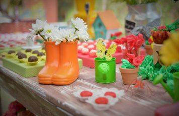 Na Festa: o jardim de Pétala e Malu