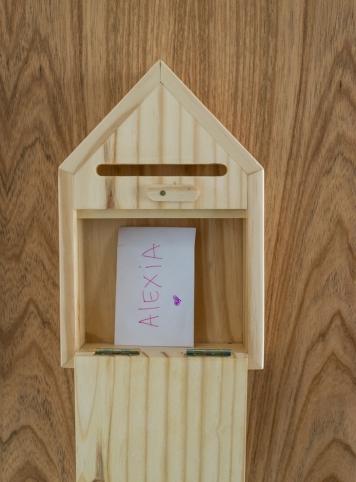 Little Door – caixa de cartas