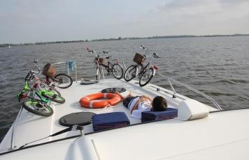 Na Estrada: barco-casa pela Holanda