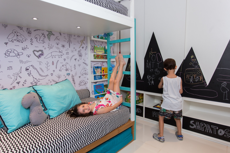 Quarto Montessoriano Para Irm Os ~ Quarto De Bebe E Casal Juntos E Quarto Casal Parede Cinza
