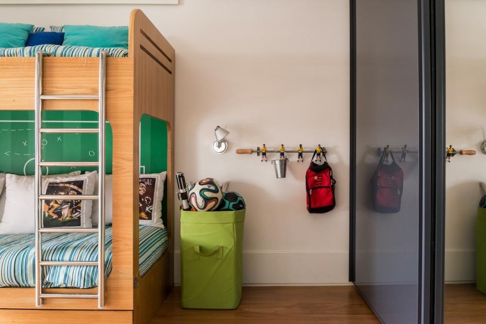 Tags  beliche almofadas futebol livros escrivaninha revisteiro cestos  cabideiro cortina bolas bancada verde prateleiras cadeira skate escada  espelho ... 366dccae05e71